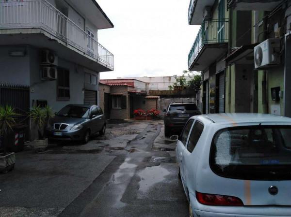 Locale Commerciale  in affitto a San Giorgio a Cremano, 170 mq