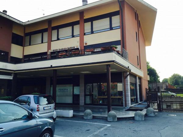 Negozio in affitto a Alpignano, Semicentrale, 120 mq