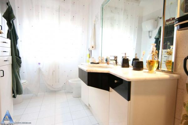 Appartamento in vendita a Taranto, Rione Laghi - Taranto 2, Con giardino, 114 mq - Foto 12
