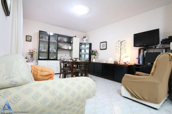 Appartamento in vendita a Taranto, Rione Laghi - Taranto 2, Con giardino, 114 mq - Foto 17