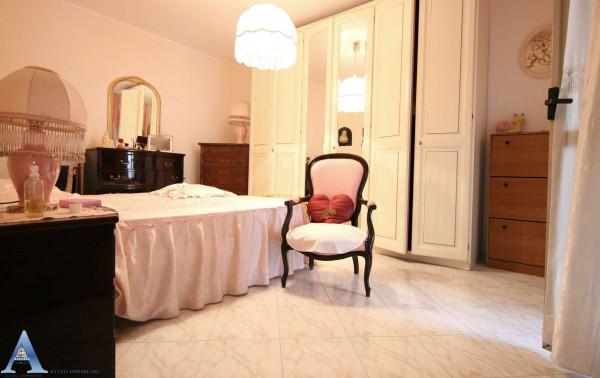 Appartamento in vendita a Taranto, Rione Laghi - Taranto 2, Con giardino, 114 mq - Foto 14