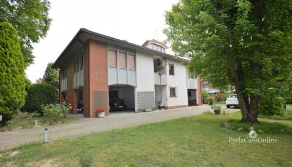 Casa indipendente in vendita a Forlì, Con giardino, 390 mq