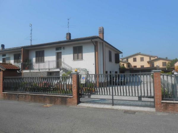 Villa in vendita a Caselle Lurani, Residenziale, Con giardino, 180 mq
