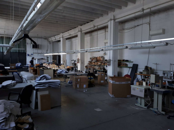 Capannone in vendita a Solaro, Elettrolux, 480 mq - Foto 1
