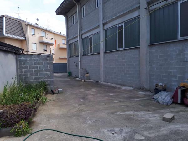 Capannone in vendita a Solaro, Elettrolux, 480 mq - Foto 3