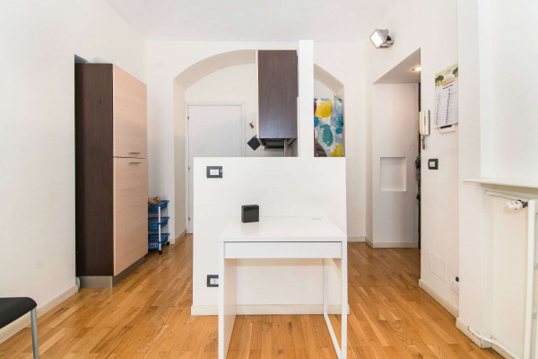Appartamento in vendita a Torino, Centro, 80 mq