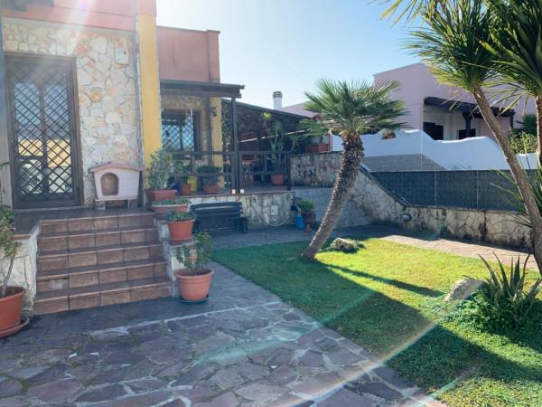 Villetta a schiera in vendita a Lecce, Zona Chiatante, Con giardino, 300 mq