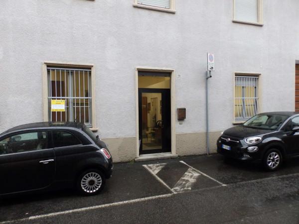 Appartamento in vendita a Seregno, S. Rocco, 54 mq