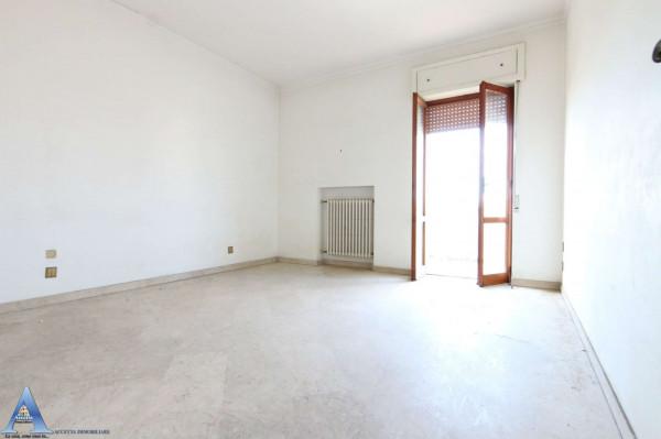Appartamento in vendita a Taranto, Rione Italia, Montegranaro, 139 mq - Foto 19