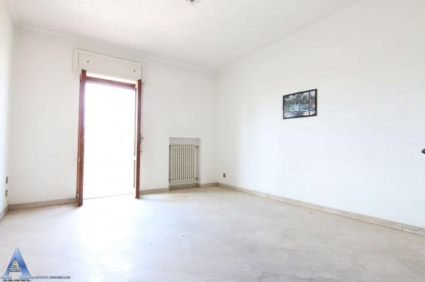Appartamento in vendita a Taranto, Rione Italia, Montegranaro, 139 mq - Foto 17