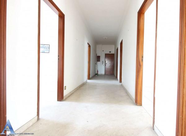 Appartamento in vendita a Taranto, Rione Italia, Montegranaro, 139 mq - Foto 5
