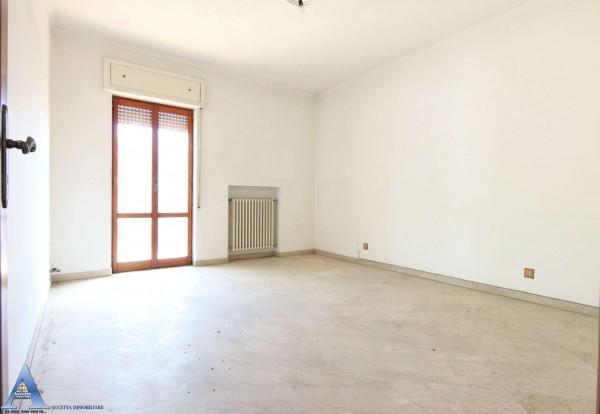 Appartamento in vendita a Taranto, Rione Italia, Montegranaro, 139 mq - Foto 14