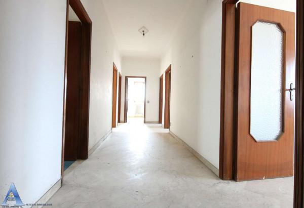 Appartamento in vendita a Taranto, Rione Italia, Montegranaro, 139 mq - Foto 21