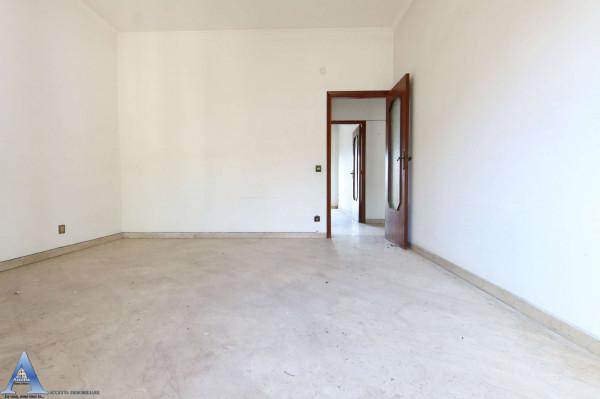 Appartamento in vendita a Taranto, Rione Italia, Montegranaro, 139 mq - Foto 13