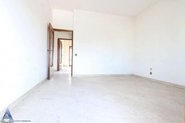 Appartamento in vendita a Taranto, Rione Italia, Montegranaro, 139 mq - Foto 20