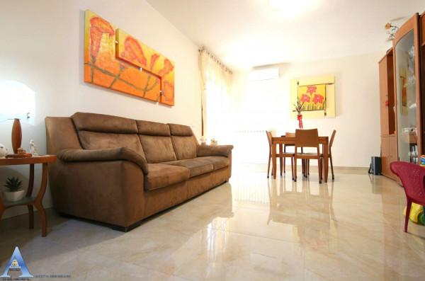 Appartamento in vendita a Taranto, Talsano, Con giardino, 119 mq