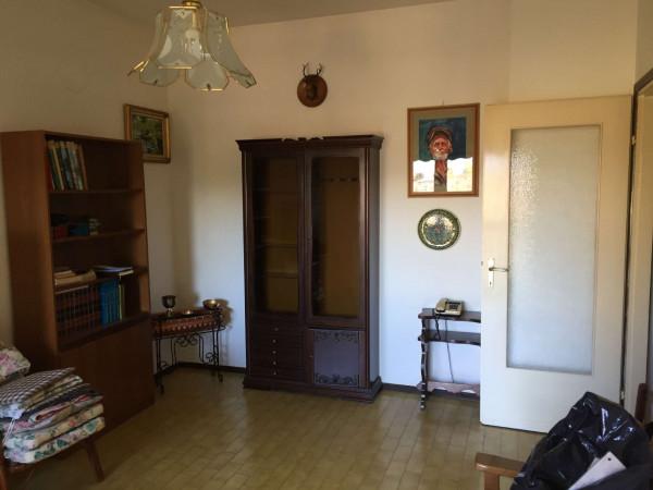 Appartamento in vendita a Cittiglio, Centrale, Con giardino, 80 mq