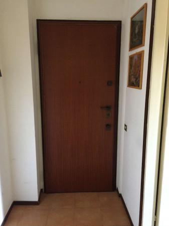 Appartamento in vendita a Cittiglio, Centrale, Con giardino, 80 mq - Foto 4