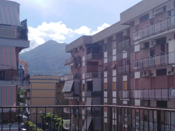 Appartamento in vendita a San Giorgio a Cremano, Centrale, 178 mq