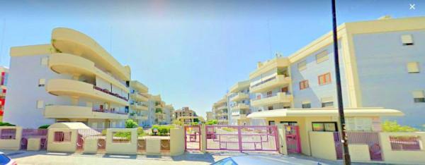 Locale Commerciale  in vendita a Taranto, Rione Italia, Montegranaro, 134 mq - Foto 3