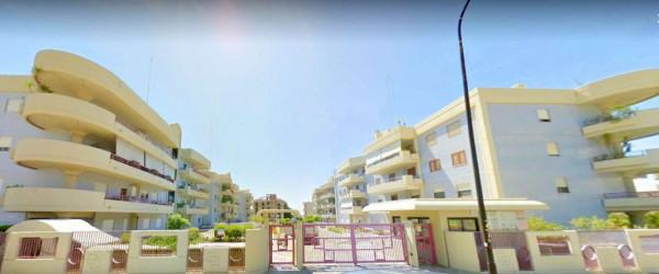 Locale Commerciale  in vendita a Taranto, Rione Italia, Montegranaro, 134 mq