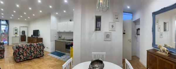 Appartamento in vendita a Napoli, Centrale, 90 mq