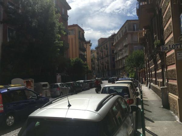 Appartamento in vendita a Napoli, Centrale, 90 mq - Foto 3