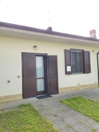 Villa in vendita a Casaletto Vaprio, Residenziale, Con giardino, 123 mq