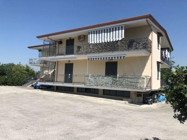 Appartamento in affitto a Sant'Anastasia, Semi-centrale, Con giardino, 100 mq