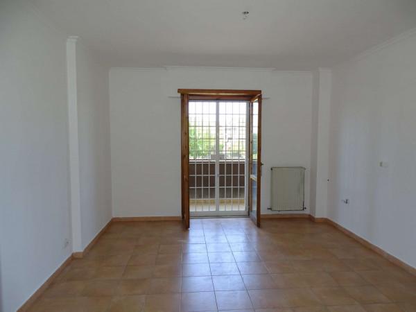 Appartamento in vendita a Roma, Dragoncello, Con giardino, 75 mq