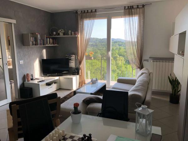 Appartamento in vendita a Bregano, Centrale, Con giardino, 108 mq