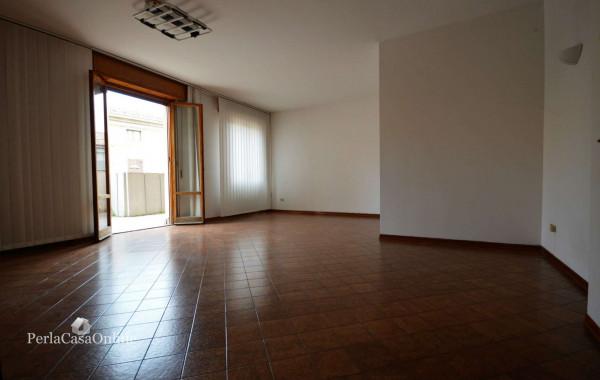 Appartamento in vendita a Forlì, Centro Storico, Con giardino, 100 mq