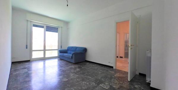 Appartamento in vendita a Lavagna, Centrale, 75 mq