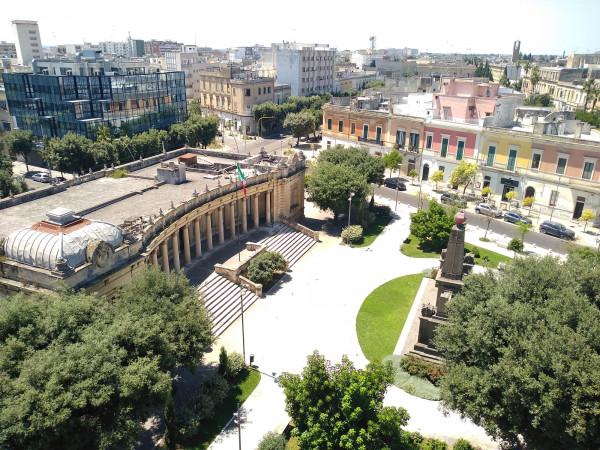 Trilocale in affitto a Lecce, Centro, 140 mq
