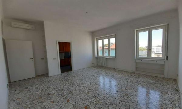 Appartamento in affitto a Milano, Missori, 90 mq