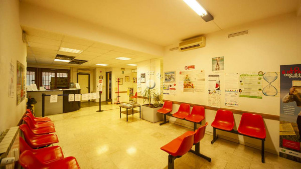 Ufficio in affitto a Firenze, 225 mq