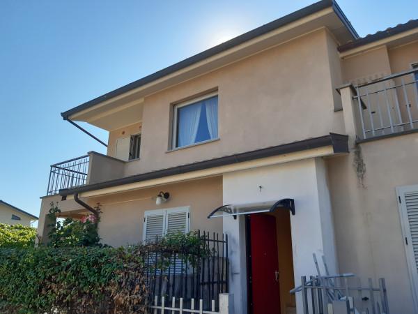 Appartamento in vendita a Spoleto, Periferia, Con giardino, 67 mq