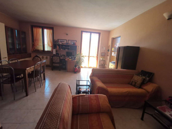 Appartamento in vendita a Crespiatica, Residenziale, 91 mq