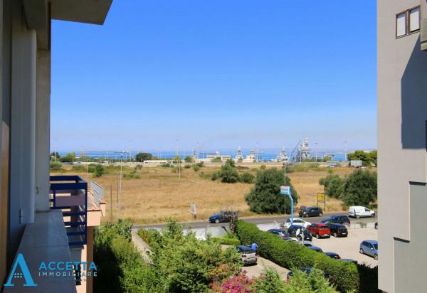 Appartamento in vendita a Taranto, Rione Laghi - Taranto 2, 93 mq - Foto 10