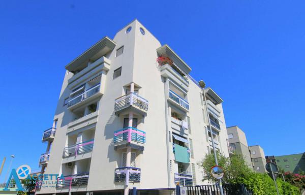 Appartamento in vendita a Taranto, Rione Laghi - Taranto 2, 93 mq - Foto 9