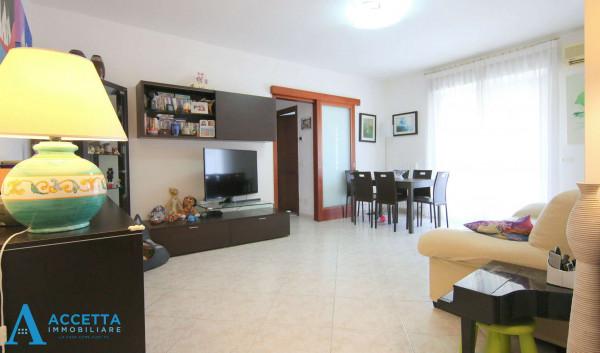 Appartamento in vendita a Taranto, Rione Laghi - Taranto 2, 93 mq - Foto 1