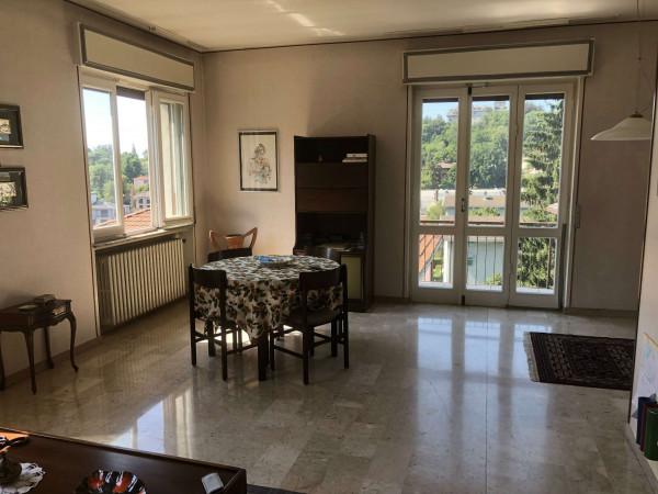 Villa in vendita a Varese, Residenziale, Con giardino, 280 mq