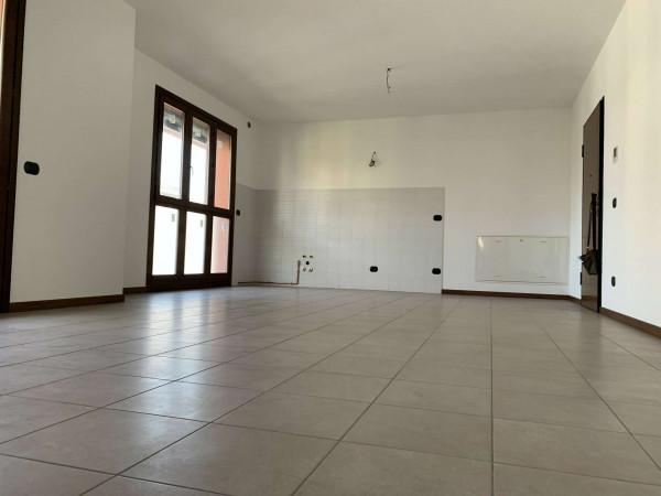 Appartamento in vendita a Cesate, Centro, 68 mq
