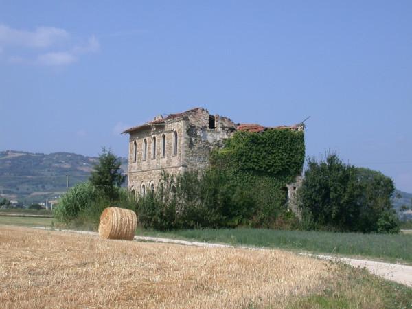 Locale Commerciale  in vendita a Assisi, Castelnuovo, Con giardino, 380 mq - Foto 8