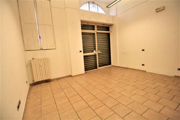 Negozio in affitto a Milano, 35 mq