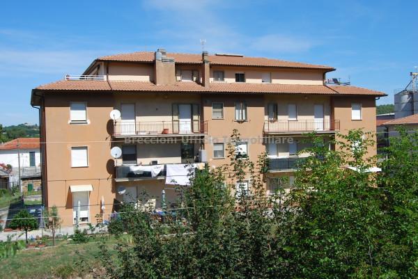 Appartamento in vendita a Spoleto, S.giovanni Di Baiano, 105 mq