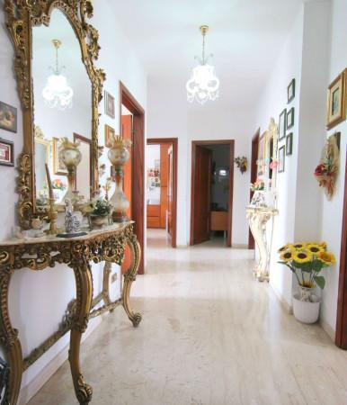 Appartamento in vendita a Taranto, Rione Laghi - Taranto 2, 110 mq