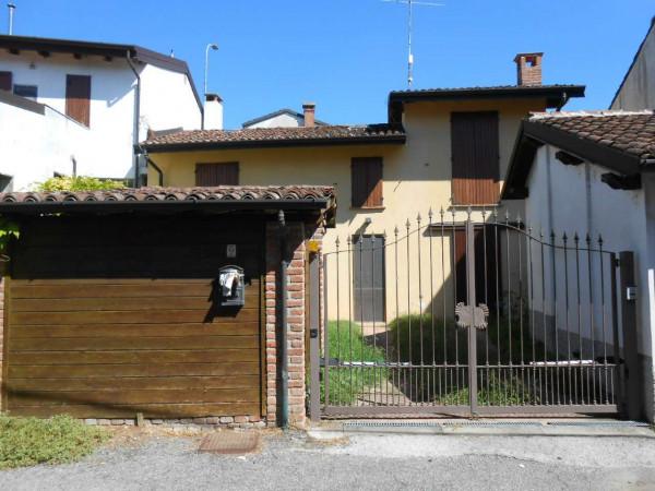 Casa indipendente in vendita a Borghetto Lodigiano, Residenziale, Con giardino, 130 mq - Foto 2