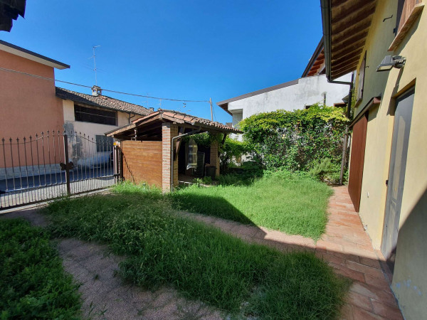 Casa indipendente in vendita a Borghetto Lodigiano, Residenziale, Con giardino, 130 mq - Foto 24
