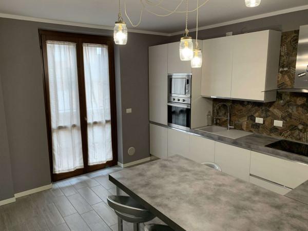 Appartamento in vendita a Caronno Pertusella, Pertusella, Arredato, 130 mq - Foto 1